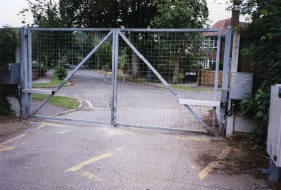 automatic gates- commercial